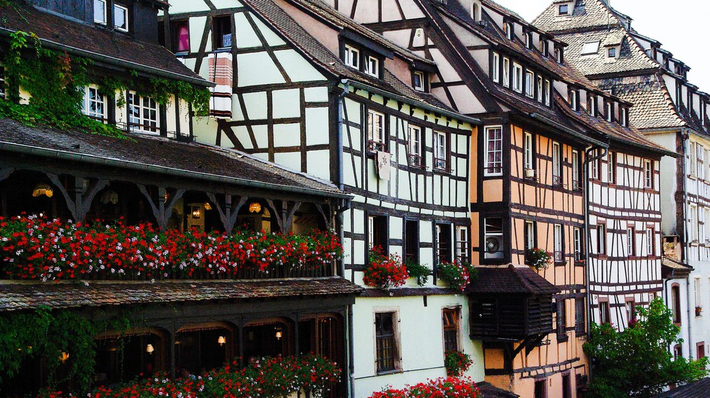 """<a href = """"https://pixabay.com/en/france-strasbourg-petite-france-911812/"""">Strasbourg  © jackmac34 /Pixabay"""
