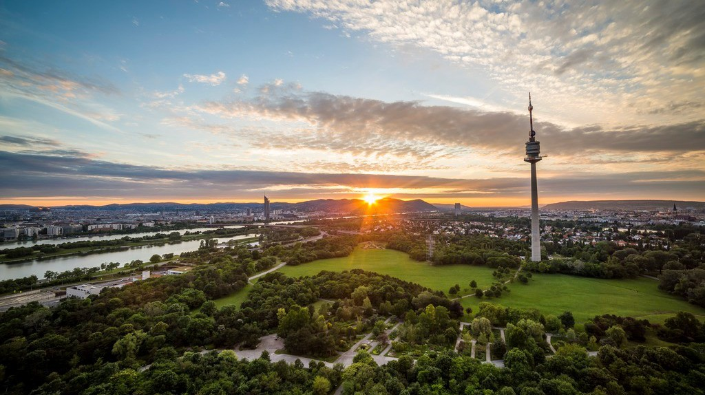 Sunset in Vienna (view from Donaupark to Kahlenberg |© Österreich Werbung / Filmspektakel.a