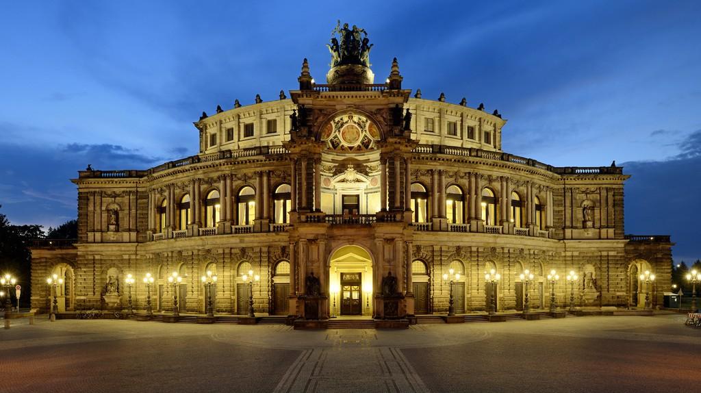 Semper Opera House , Dresden   © Frank Exß/dresden.de