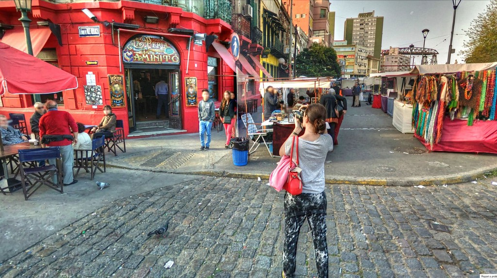 A tourist in Buenos Aires | © Kevin Dooley / Flickr