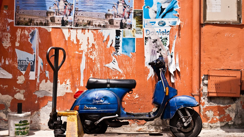 Vespa in Mercato Capo©Bindalfrodo:Flickr