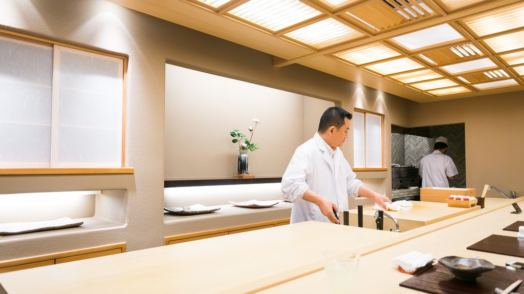 Inside Ginza Kojyu kaiseki restaurant, Tokyo | © City Foodsters/Flickr