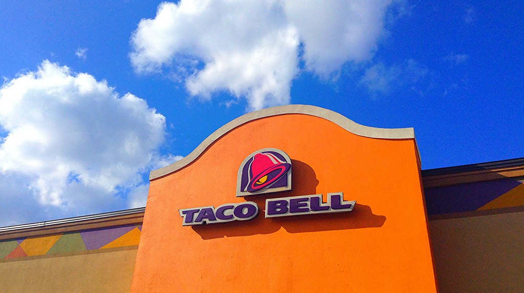 Taco Bell   © Mike Mozart/Flickr