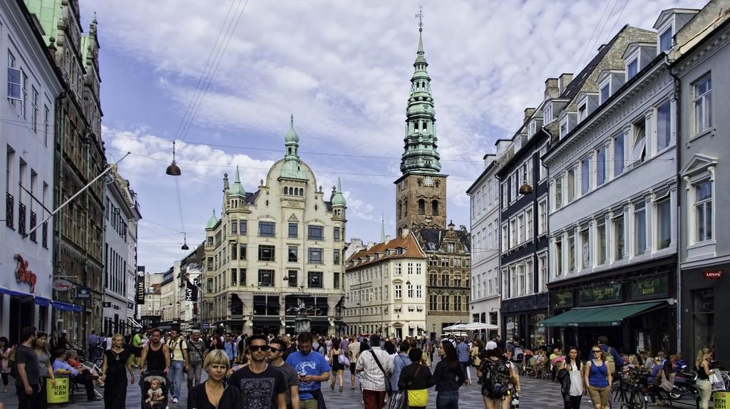 """<a href = """"https://www.flickr.com/photos/9508280@N07/15159689545""""> 20140704_Denmark_0022 Copenhagen   © Dan Lundberg/Flickr"""