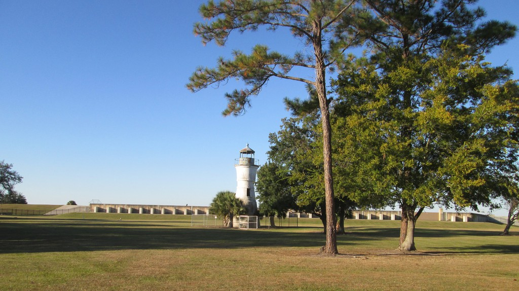 Milneburg Lighthouse | © Infrogmation of New Orleans / Flickr