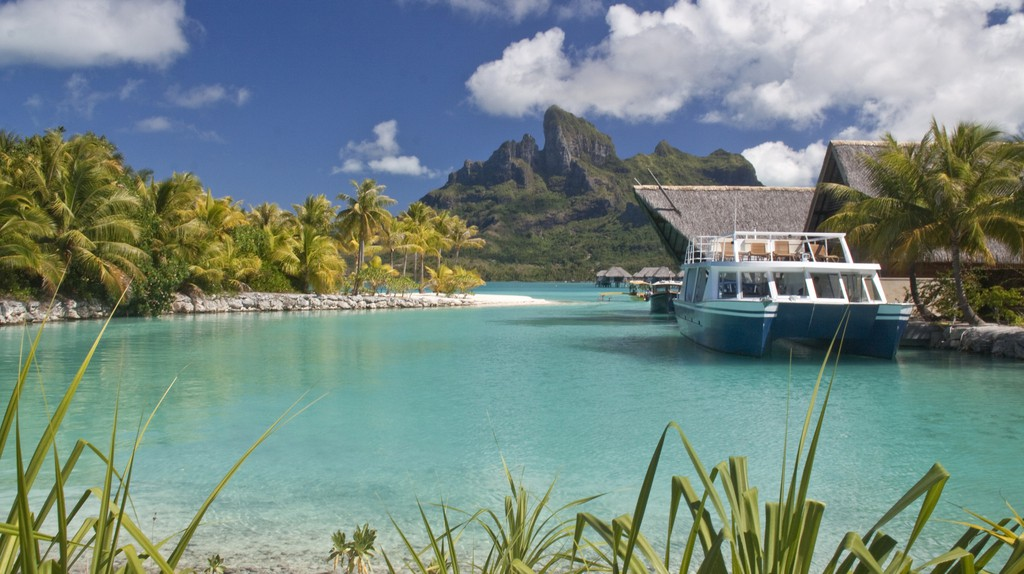 Four Seasons, Bora Bora | © Arnie Papp / Flickr