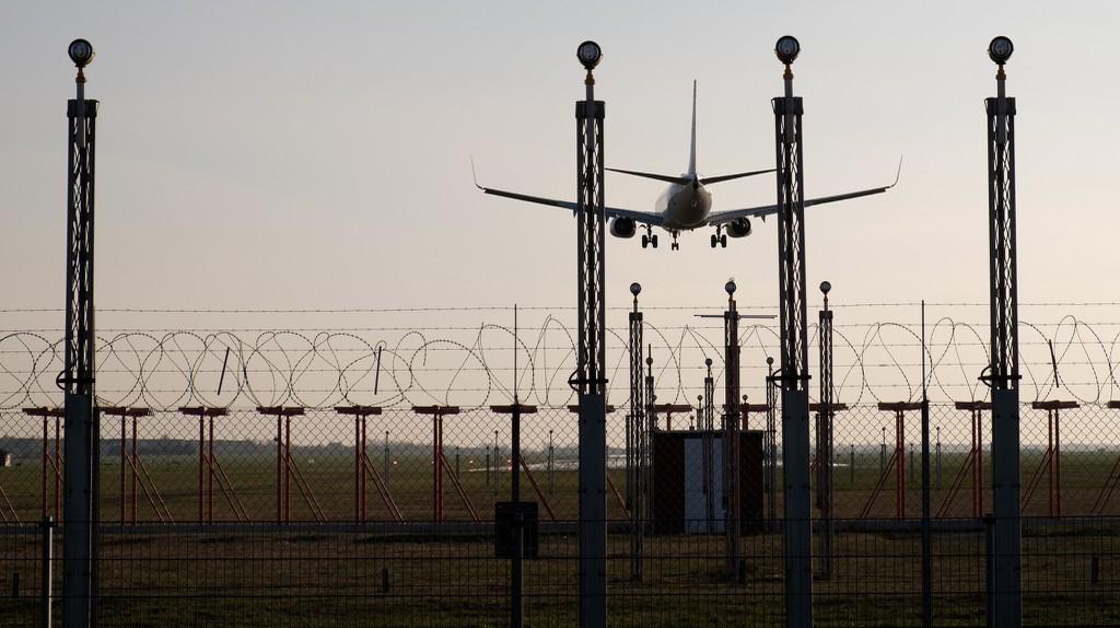 Plane landing | © Håkan Dahlström