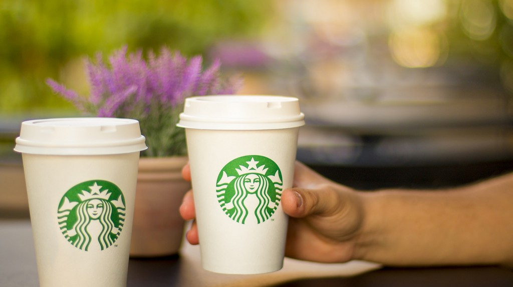 Starbucks | © Concept 2 Model D/Sole Treadmill