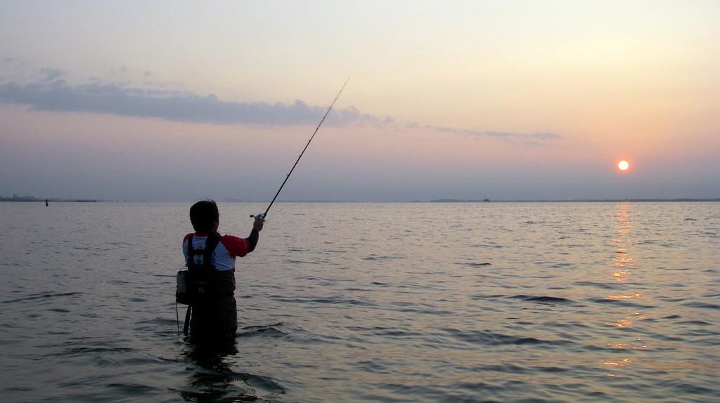 Fishing    © Ryosuke Hosoi/Flickr