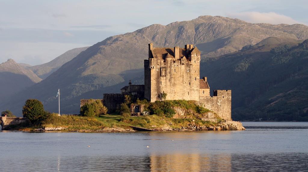 Eilean Donan Castle at Dusk | © Eusebius@Commons/Flickr