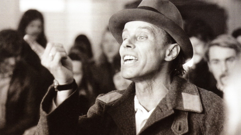 """<a href=""""https://www.flickr.com/photos/centralasian/5746208976/"""" target=""""_blank"""" rel=""""noopener noreferrer"""">A photo of the photo of Joseph Beuys by Erich Puls 