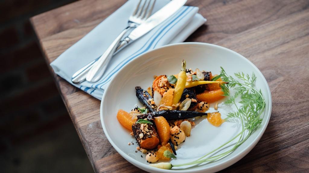 Vegetarian Cuisine   © Adam Jaime / Unsplash