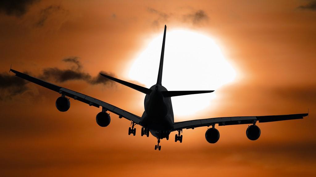 Airplane takeoff   © Gerhard Gellinger