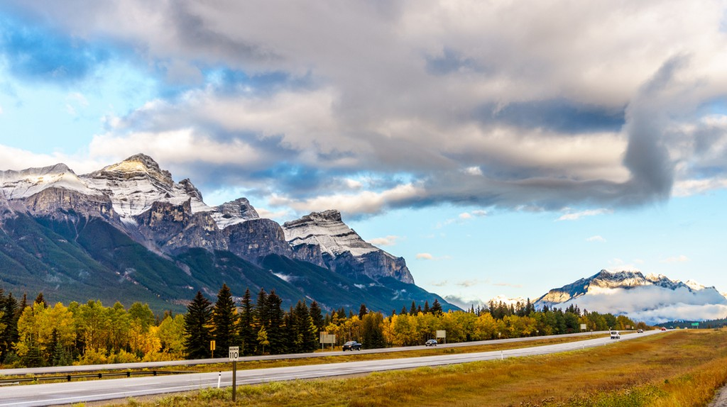The Trans-Canada Highway through the Rockies | © Harry Beugelink / Shutterstock