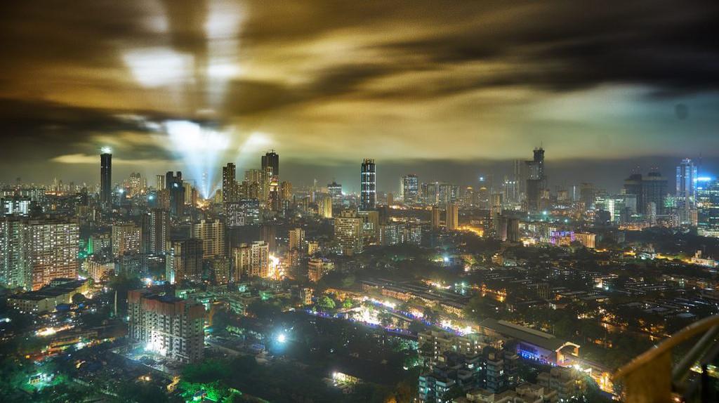 Mumbai At Night   © Vidur Malotra/Flickr
