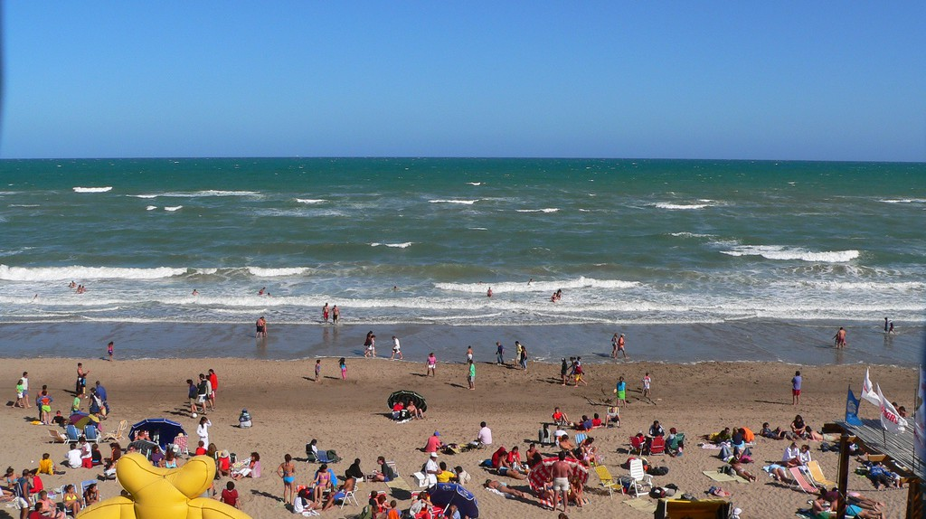 Summer vibes on the beach in Argentina | © Niels Bjerg/Flickr