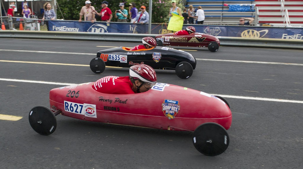 Racers speed downhill at the 2016 All-American Soap Box Derby | © Phil Long/AP/REX/Shutterstock