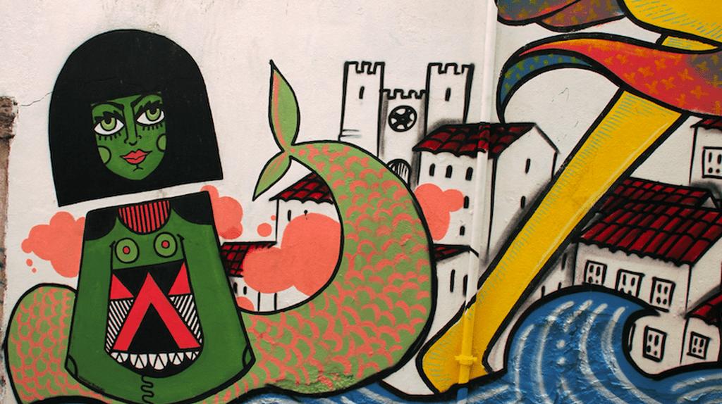 Mural Photo © Paulo Vítor Martins   Colourbox