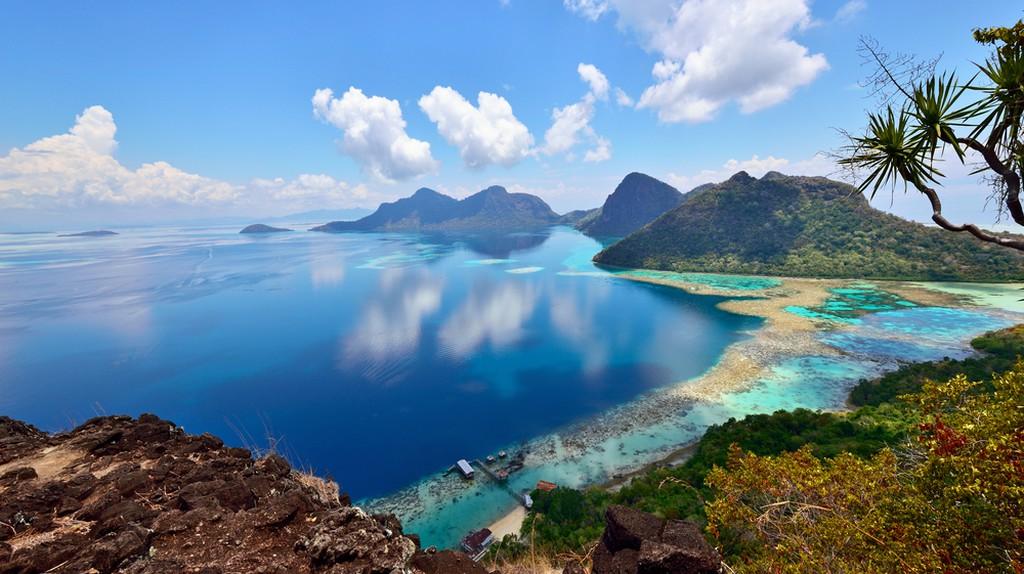 Breathtaking view of Bohey Dulang
