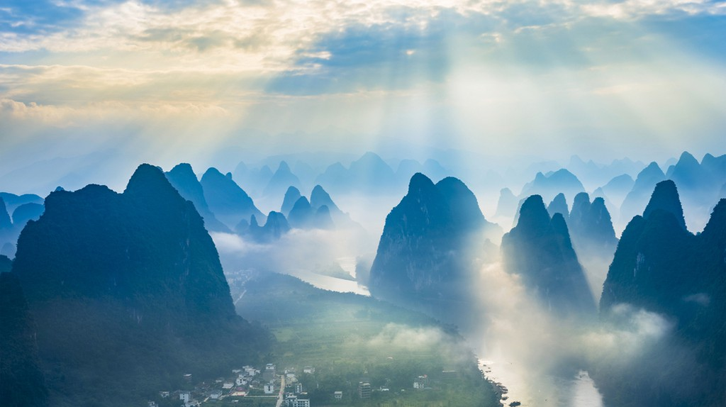 Landscape of Guilin, Li River | © Aphotostory