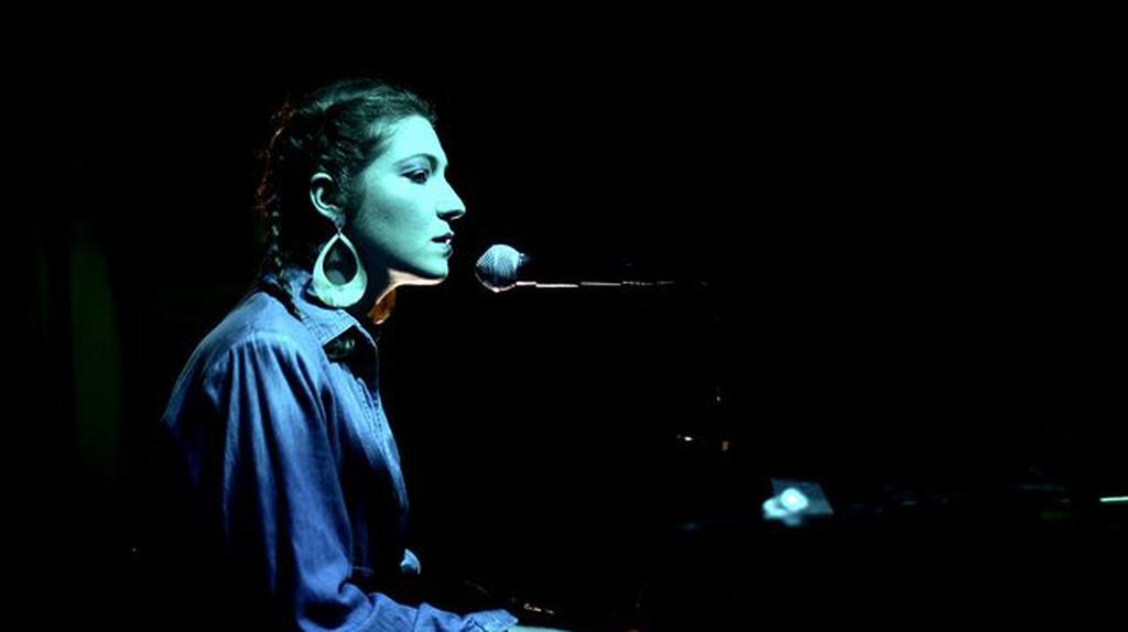 Sing and learn Spanish © Fernanda Armijo