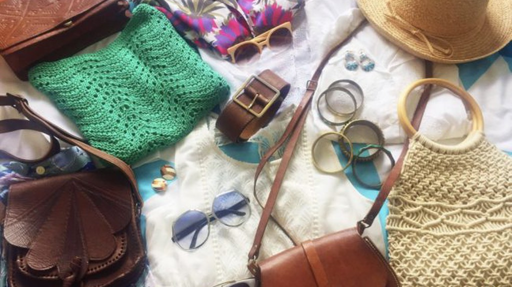Typical vintage clothes and accessories in Greenky   Courtesy of Greenky Vintage