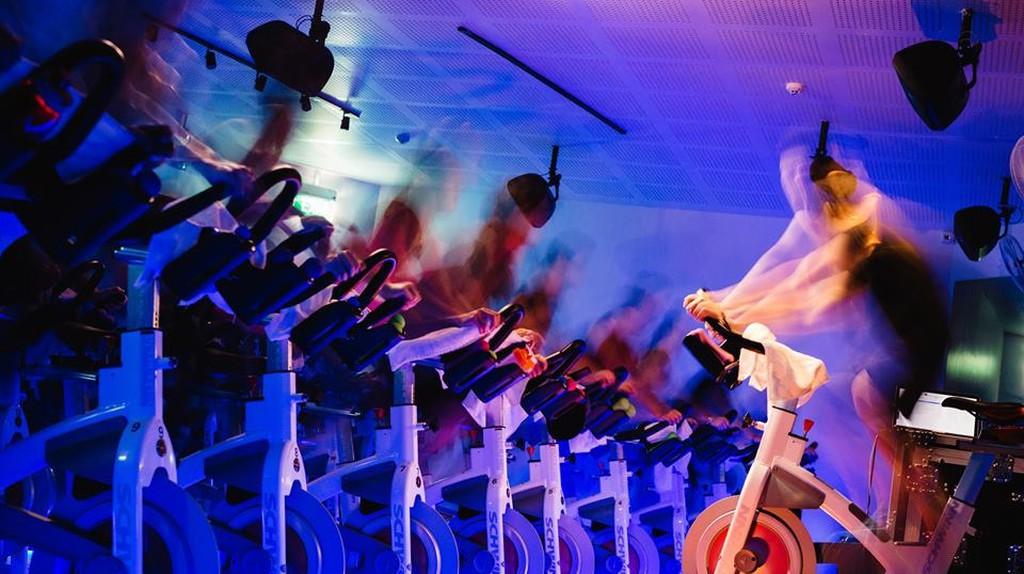 Indoor Cycling at CruCycle | © Facebook/CruCycle