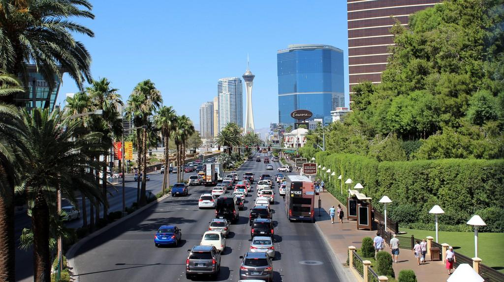 Las Vegas Strip | © Abi Skipp / Flickr