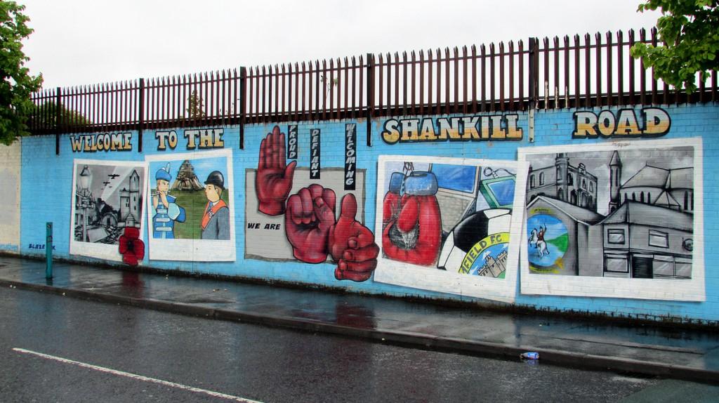 Shankill Road Murals   © Reading Tom / Flickr