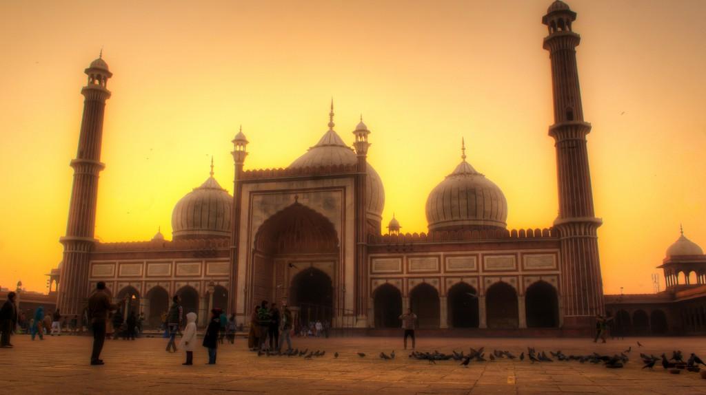 "<a href=""https://www.flickr.com/photos/tataimitra/9820406573/"" target=""_blank"" rel=""noopener noreferrer"">Jama Masjid, Old Delhi | © Rajarshi MITRA / Flickr</a"