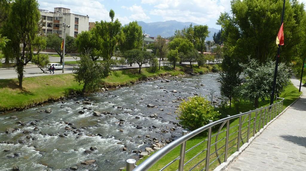 The Rio Tomebamba Runs Through Cuenca, Ecuador | © dbmcnicol / Pixabay