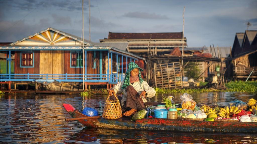 Fruit seller in Cambodia  © Rawpixel.com/ Shutterstock.com