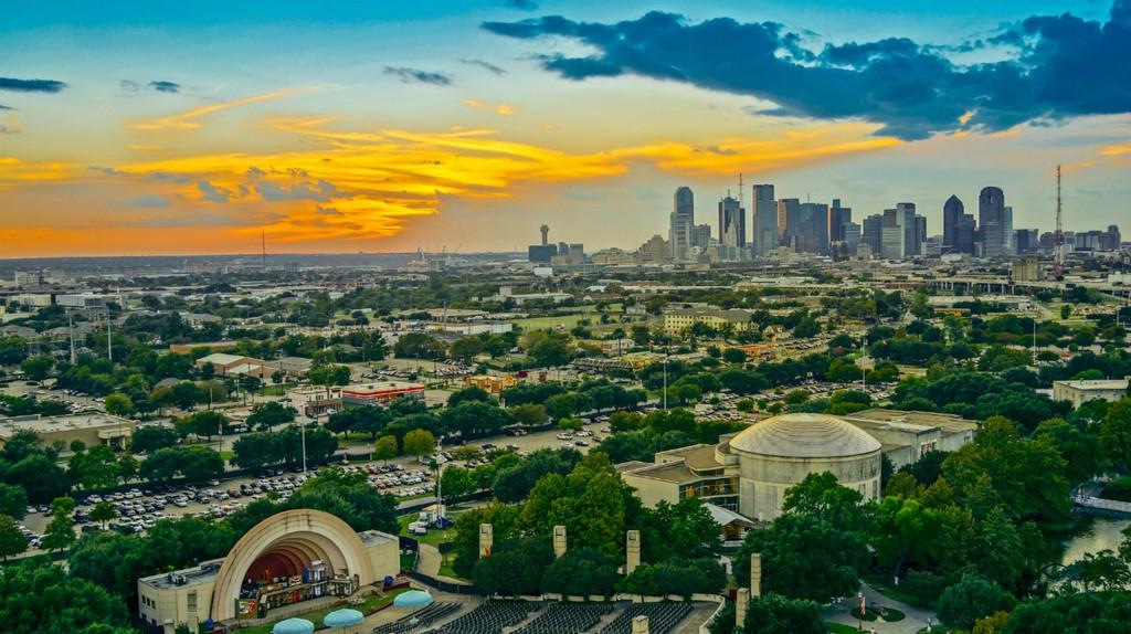 Dallas © Nat Chittamai/Shutterstock