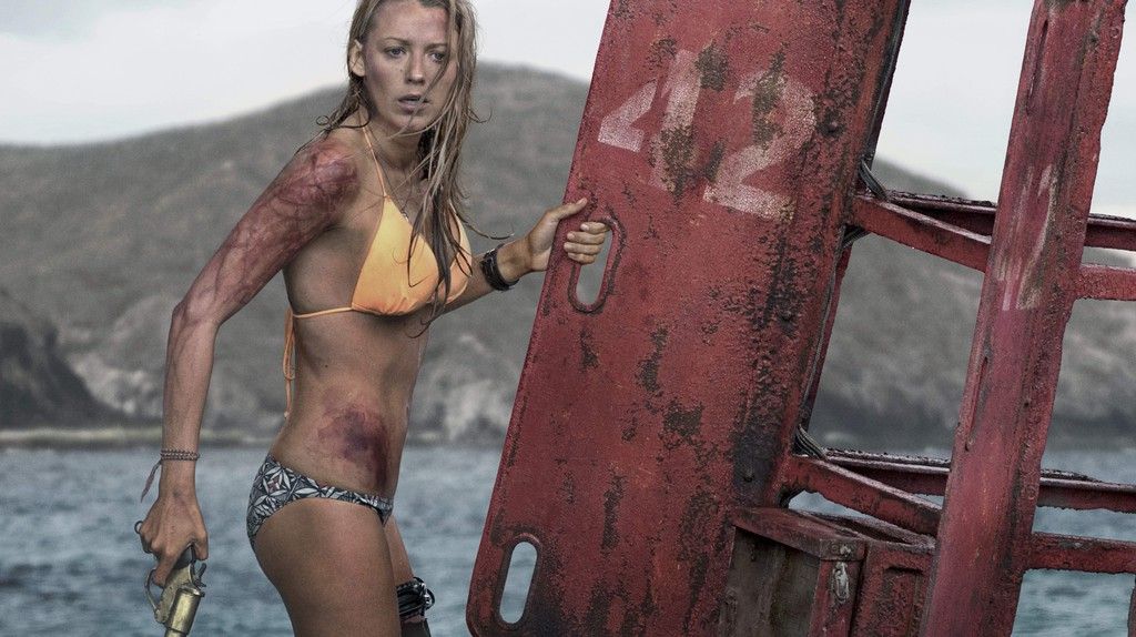 Nancy (Blake Lively) in Columbia Pictures'  The Shallows | © Columbia Pictures