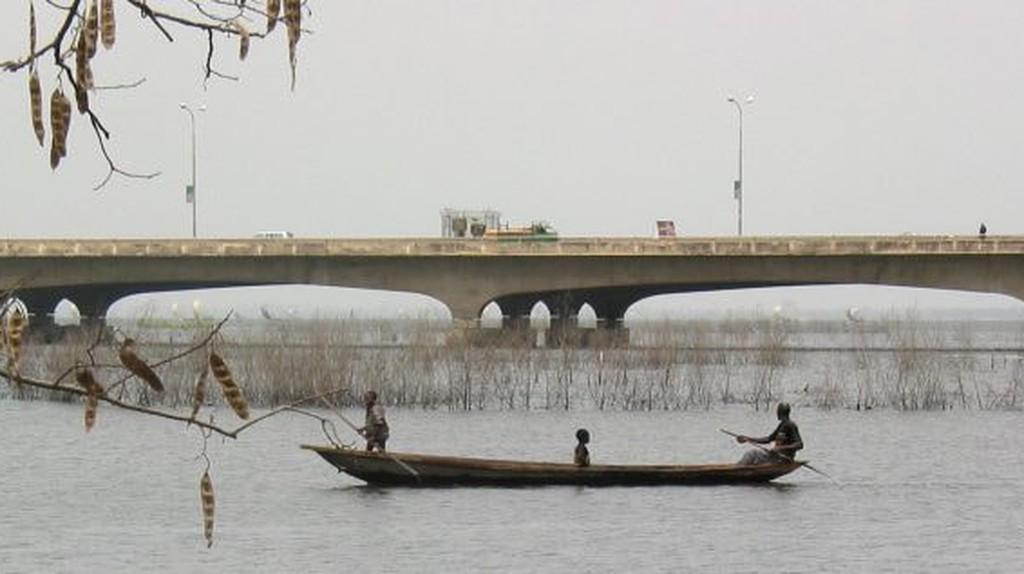 The longest bridge in Nigeria: Third Mainland Bridge  © Zouzou Wizman / Wikimedia
