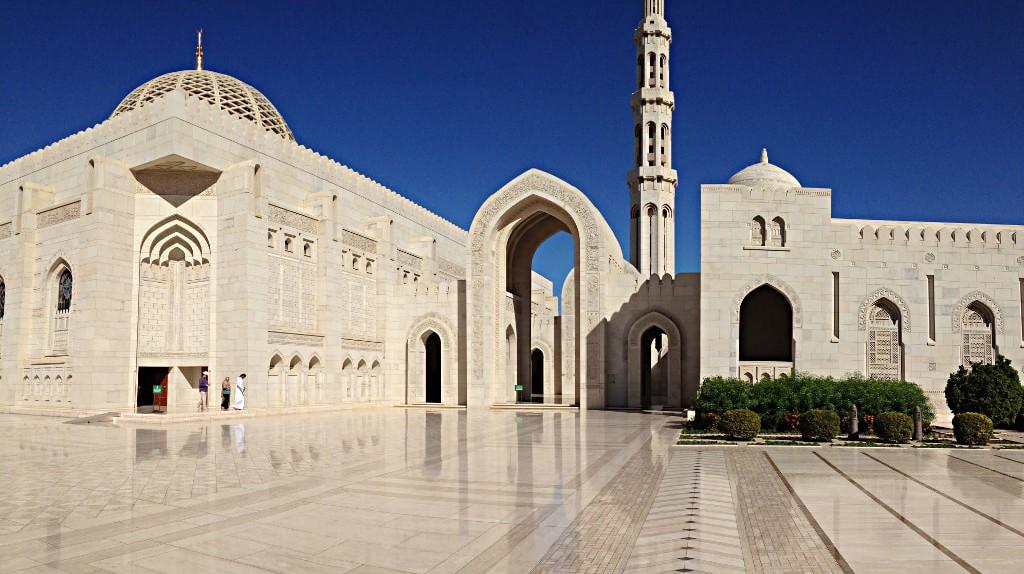 Sultan Qaboos Grand Mosque Muscat | © Thierry Gregorius/Flickr