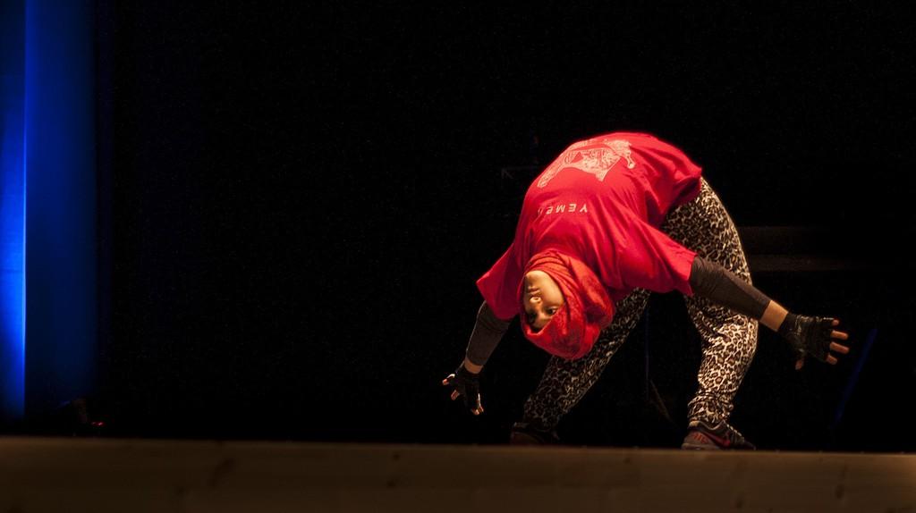 Yemeni Dancer |© Sara Lowgren / Flickr