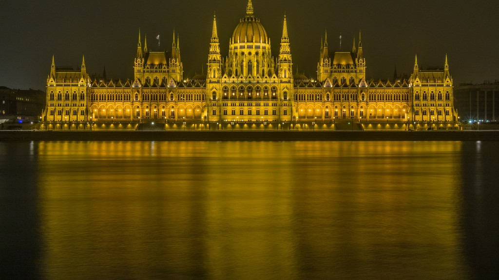 The Hungarian Parliament Building in Budapest   © Bergadder/ Pixabay