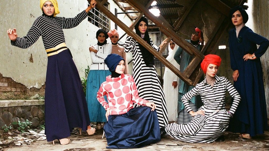 Muslim women modeling with hijab   © Febrianto P. Utama/ flickr