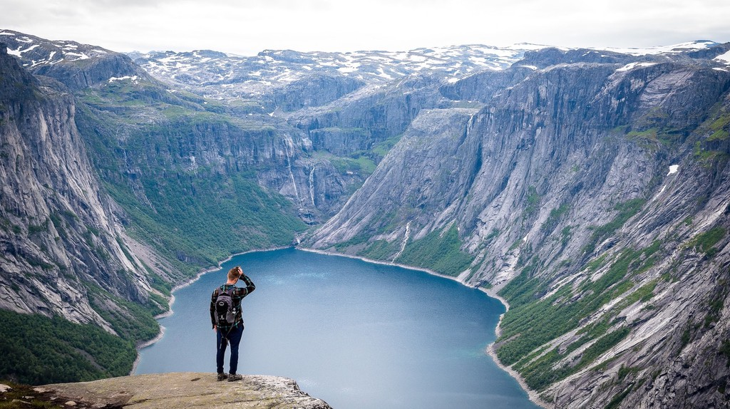 Trolltunga, Norway   © Matt Lamers / Unsplash
