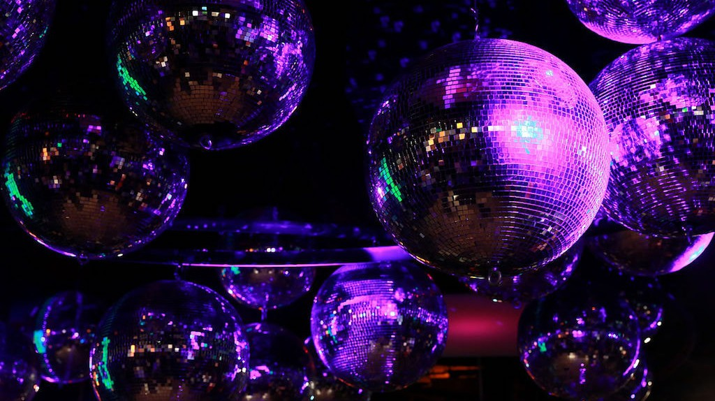 Disco balls | © Tsui/WikiMedia Commons