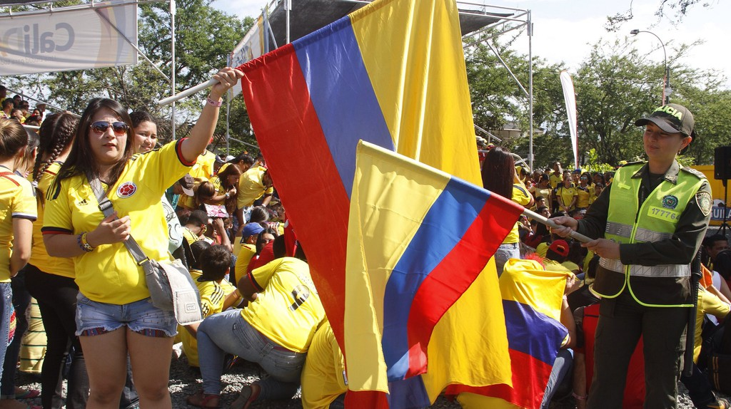 Showing some love for Colombia | © Policía Nacional de los colombianos / Flickr