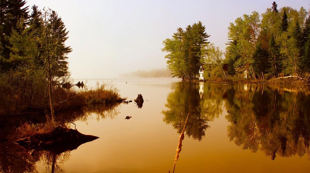 Sunrise on Rangley Lake | © Koru Foto/Alan Szalwinski/Flickr