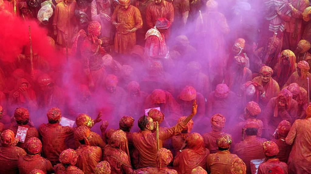The celebration of Holi starts in these villages | © Abhijit Kar Gupta / Flickr