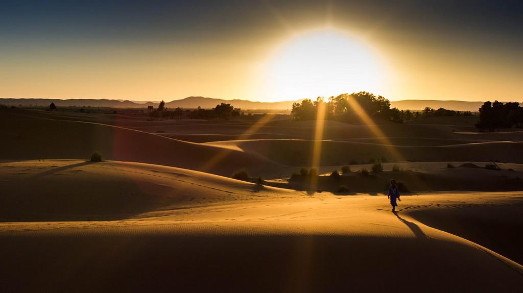 Sunset over the stunning Sahara Desert | © Christopher L. / Flickr
