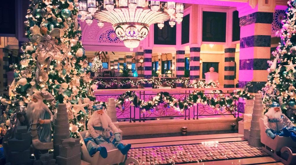 Christmas in Dubai   © Caroline Menezes Torres