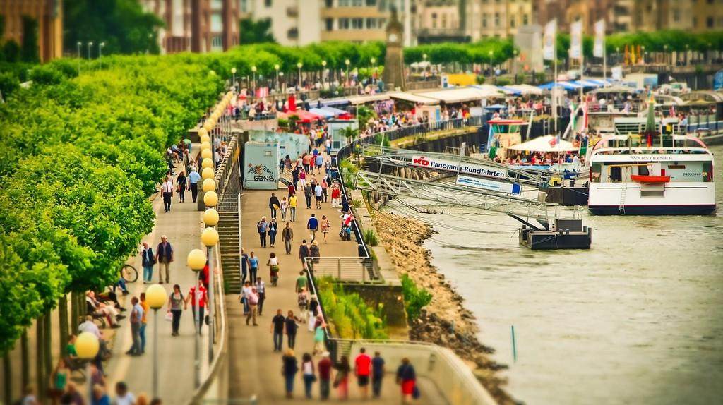 Rheinuferpromenade   © MichaelGaida / Pixabay