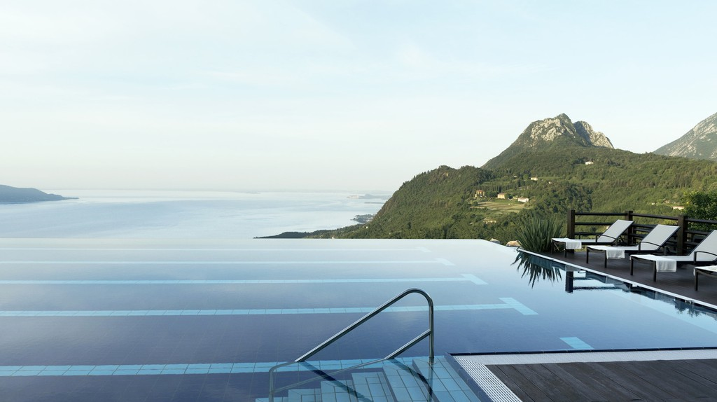 The infinity pool overlooking Lake Garda at Lefay Resort & Spa | © Courtesy of Lefay Resort & Spa