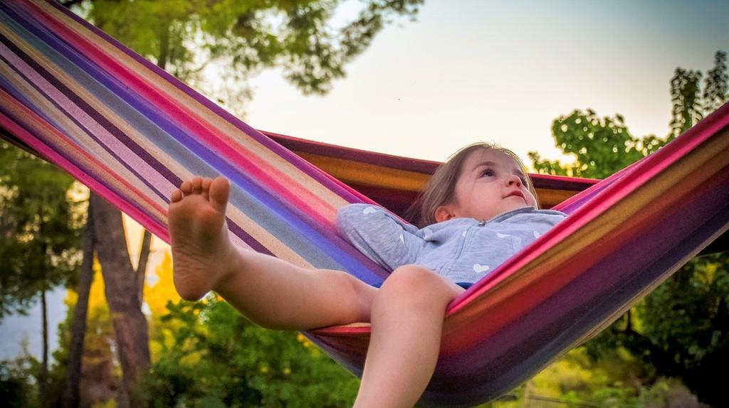Girl in a hammock | © dagon_ / Pixabay