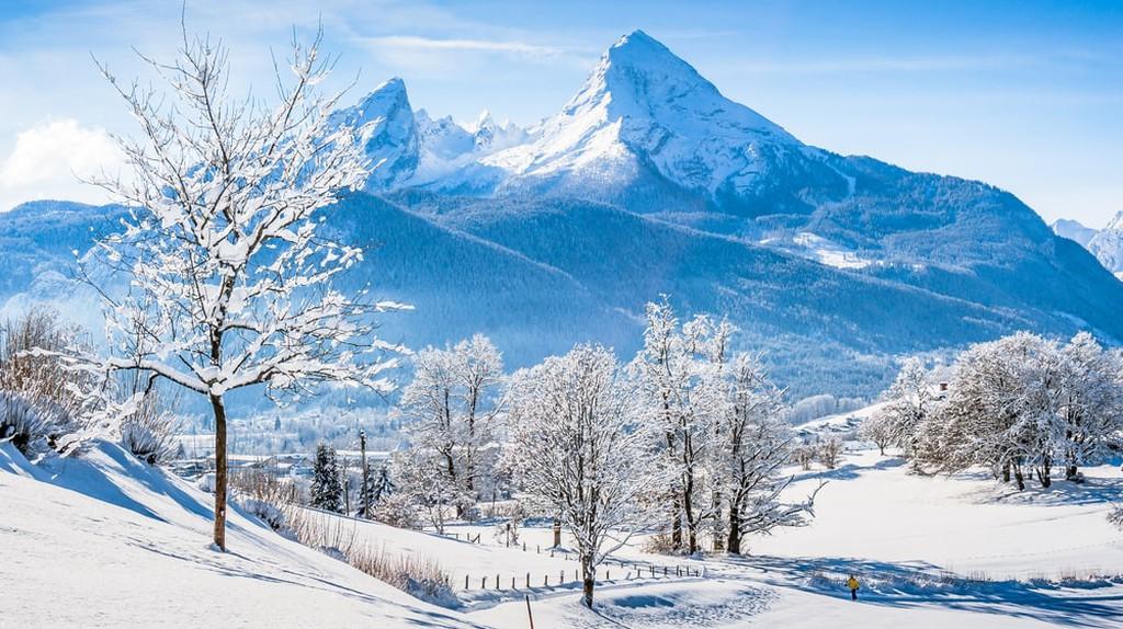 View of the Watzmann massif in the National Park Berchtesgadener Land   © canadastock / Shutterstock